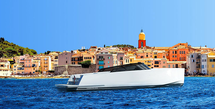 The VanDutch 40.2 heads to St.Tropez to excite day boating in the South of France once again.